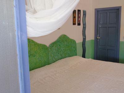 11 Guest House letto matrimoniale