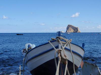 10 casa vacanze panarea vista barca