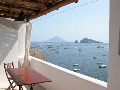 05 casa vacanze tavola terrazzo